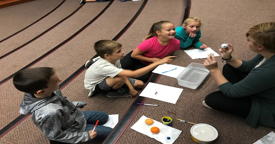 SU Students Investigate Sink & Float & Magnetism with Mrs. McEvoy's Class