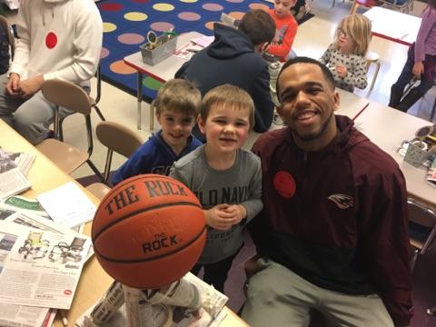 Susquehanna University Men's Basketball teams visits kindergarten classes