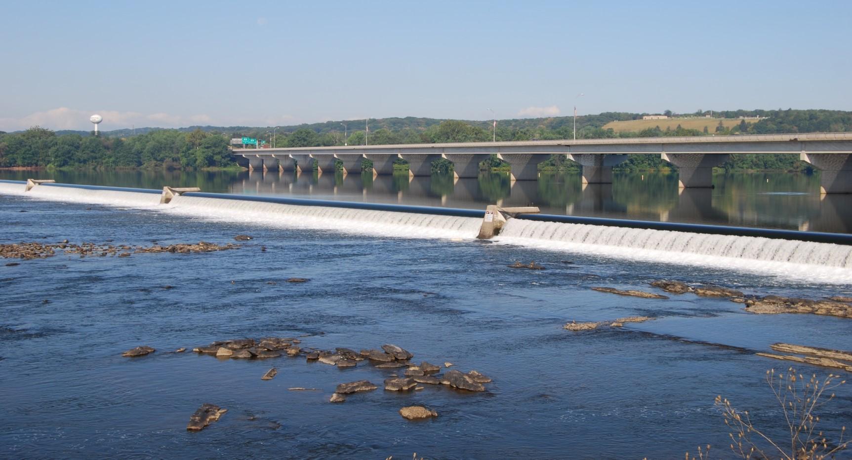 """Inflatable """"Fabridam"""", Looking Towards Shamokin Dam"""