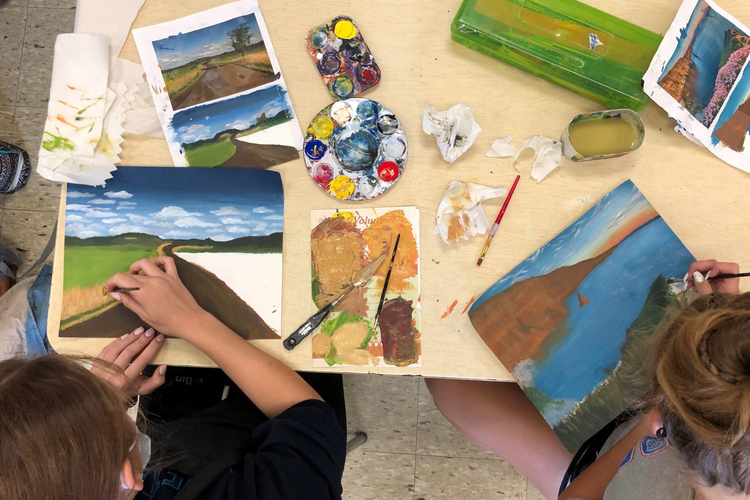 Ella McGlaighlin & Erika Piepszowski – Intro to Art Landscape Paintings